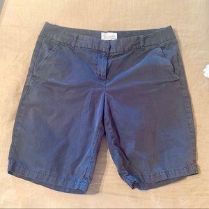 Sz 4 J. Crew navy Bermuda shorts